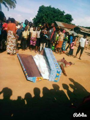 Agression d'enterrement digne et sécurisé dans un quartier résidentiel de Beni.