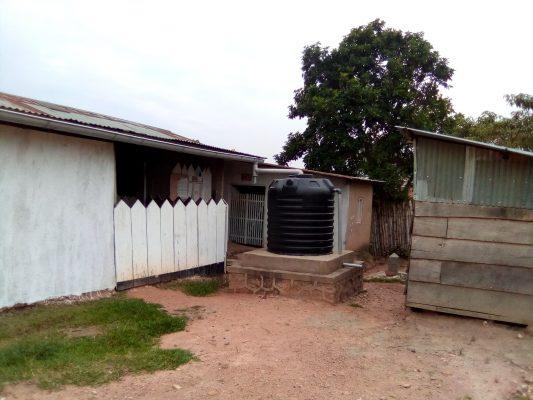 Un centre de santé fermée après passage de plus d'un cas des malades d'Ebola. Quartier Kalinda, ville de Beni, Nord-Kivu, RD Congo © Hervé Mukulu